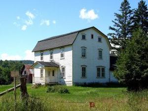 rural-home-1233045-e1508796239638
